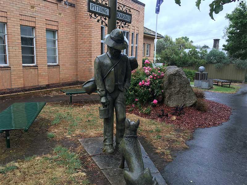 Bronze sculpture dog