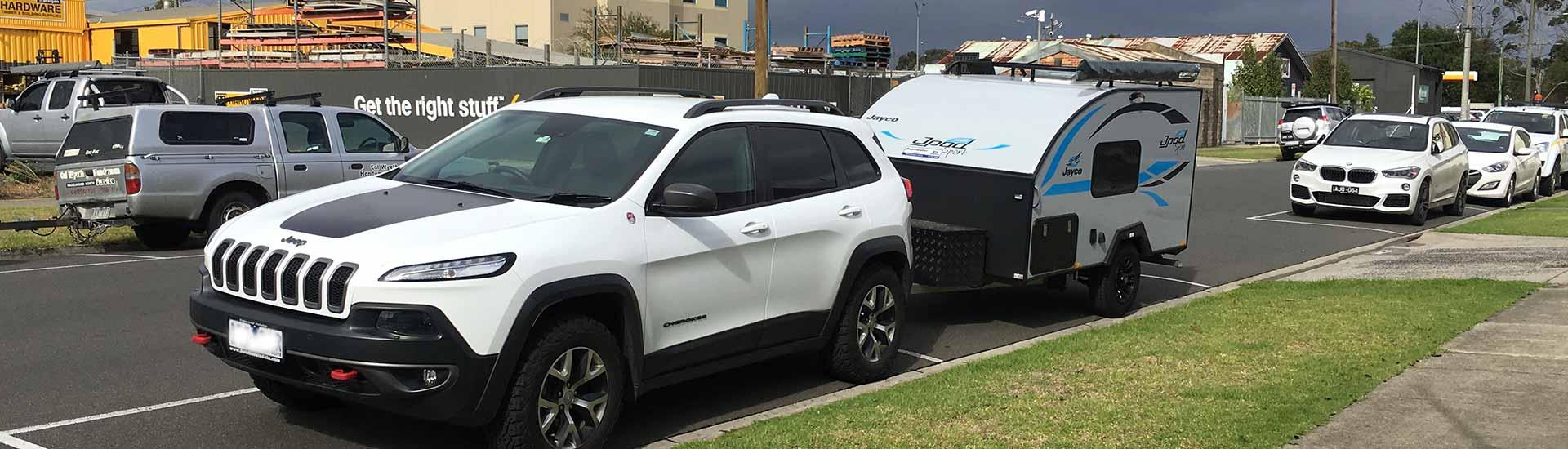 Jeep and Jayco Jpod parked at Traralgon